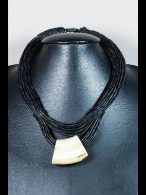 Collier fils de cuir et perle en os