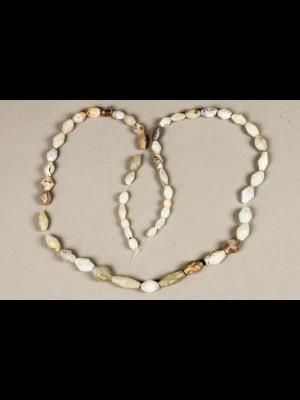 53 perles très anciennes en agate