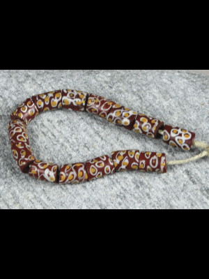 14 perles millefiori anciennes du même motif
