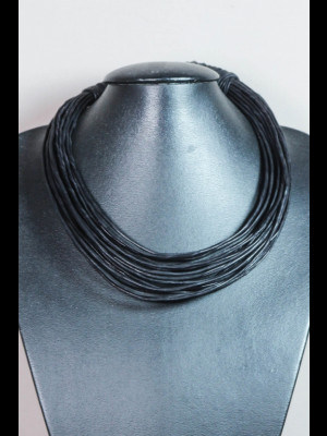 Collier 22 fils de cuir