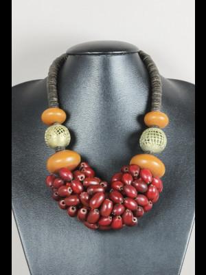 Collier perles en pâte de verre, imitation ambre (résine phénolique), laiton et coco