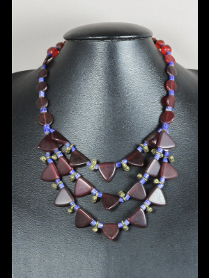 Exceptionnel collier perles anciennes en laiton, chevrons et perles de Bohême anciennes en pâte de verre