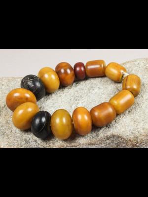 14 perles d'ambre africain (résine phénolique)