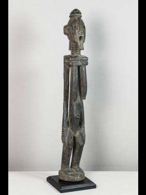 Curieuse statuette dogon (Mali)