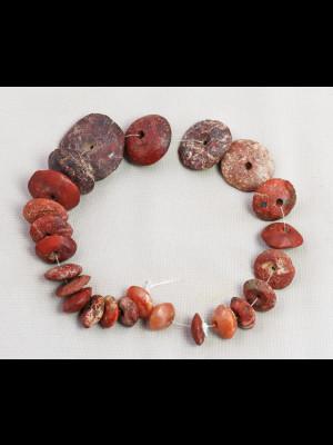 24 très anciennes perles de fouille du Mali