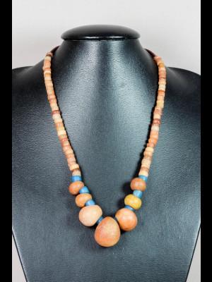 Collier perles en pierre, en verre et koffi