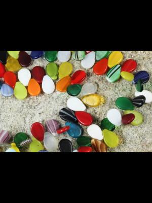 99 perles anciennes en pâte de verre de Bohême