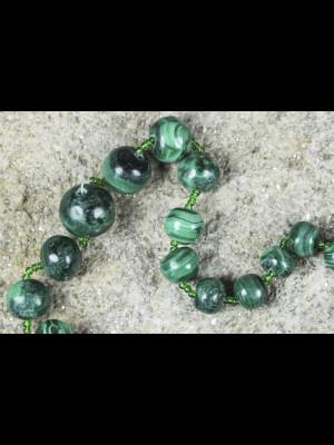 45 perles en malachite