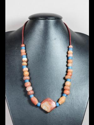 Collier perles anciennes en cornaline, calcite rouge et verre