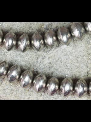 25 perles en métal argenté