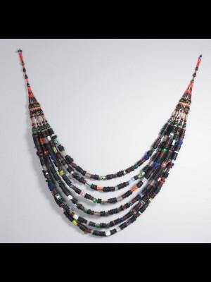 Très grand collier décoratif