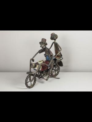 Motocycliste et sa passagère