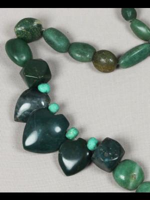 39 perles en pierre (agate?) du Nigéria