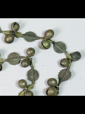 Collier de 101 perles anciennes en laiton