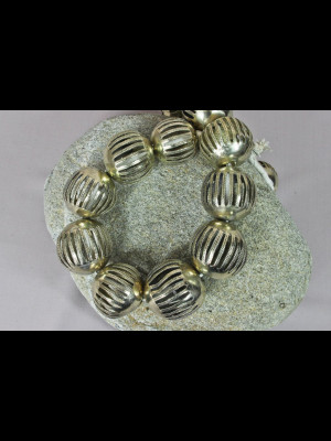 15 grosses perles en laiton